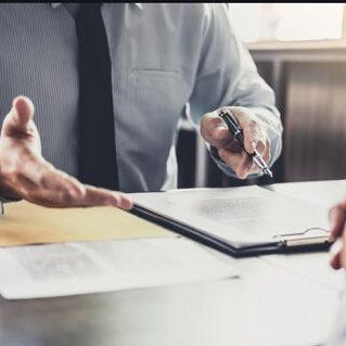 مشاوره-مالی-و-حقوقی