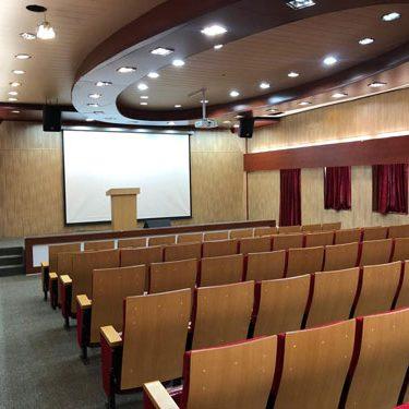 خدمات ایستگاه نوآوری شریف (سالن آمفی تئاتر)